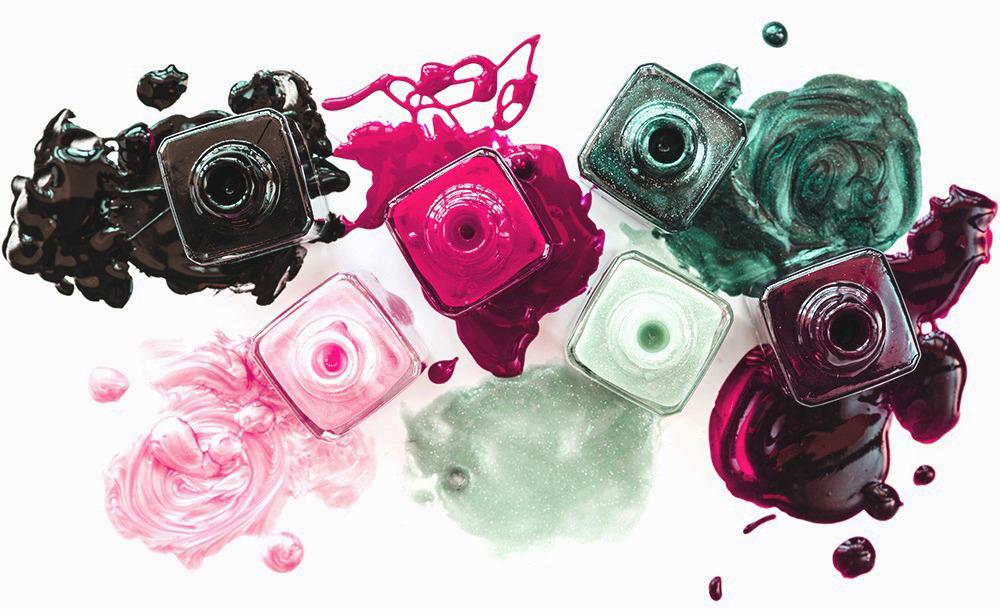 Esmaltes permanentes que cuidan tus uñas, ¿qué es 5 free?